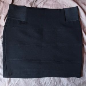 Guess bandage skirt
